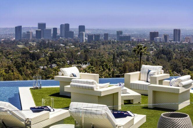VIDEO – La maison la plus chère des Etats-Unis et sa piscine à débordement !