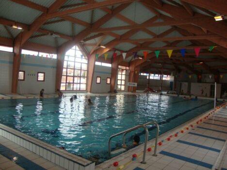 """Le bassin de 25m est équipé de plusieurs lignes d'eau<span class=""""normal italic petit"""">DR</span>"""