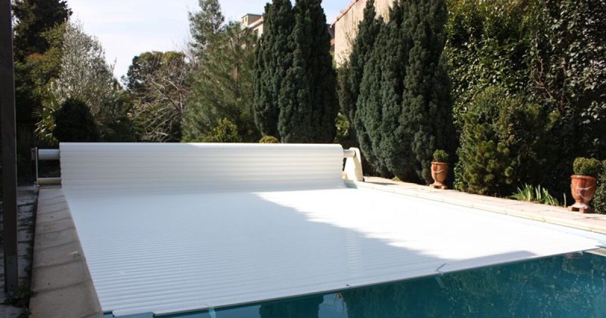 Changer une lame d un volet de piscine r paration volet for Volet polycarbonate piscine