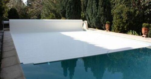 Volet de piscine en panne