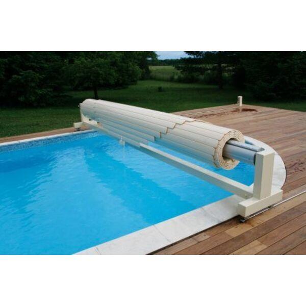 Volet de piscine manuel actionn par une manivelle for Prix couverture piscine volet roulant
