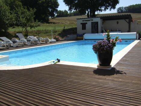 """Volet hors sol Euro Piscine Services<span class=""""normal italic petit"""">© Piscines et Décors du Sud - Lot-et-Garonne (47) - EURO PISCINE SERVICES</span>"""