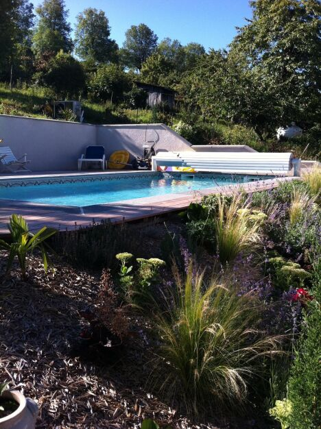 "Volet hors sol Euro Piscine Services  <span class=""normal italic petit"">© Catusse Piscines - Cantal (15) - EURO PISCINE SERVICES</span>"