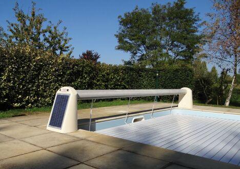 "Volet Open Solar Energy par Abriblue<span class=""normal italic petit"">© Abriblue</span>"