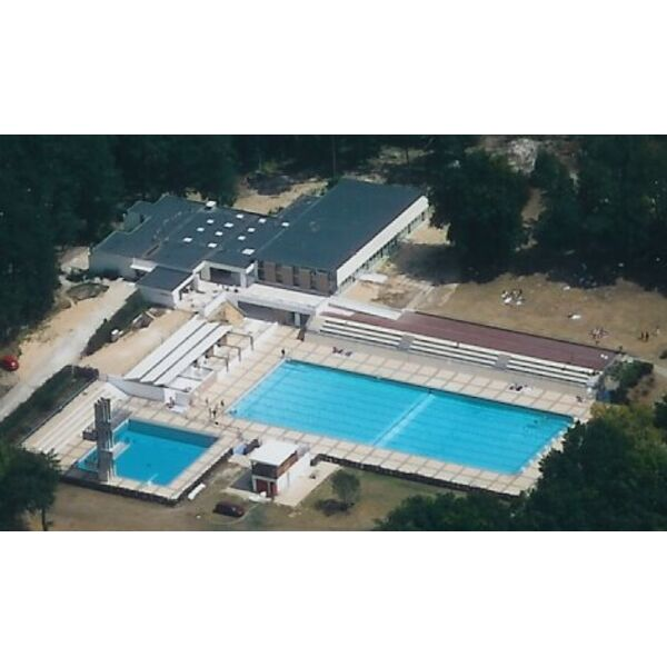 Centre nautique aquasud 77 saint pierre l s nemours for Piscine woluwe saint pierre