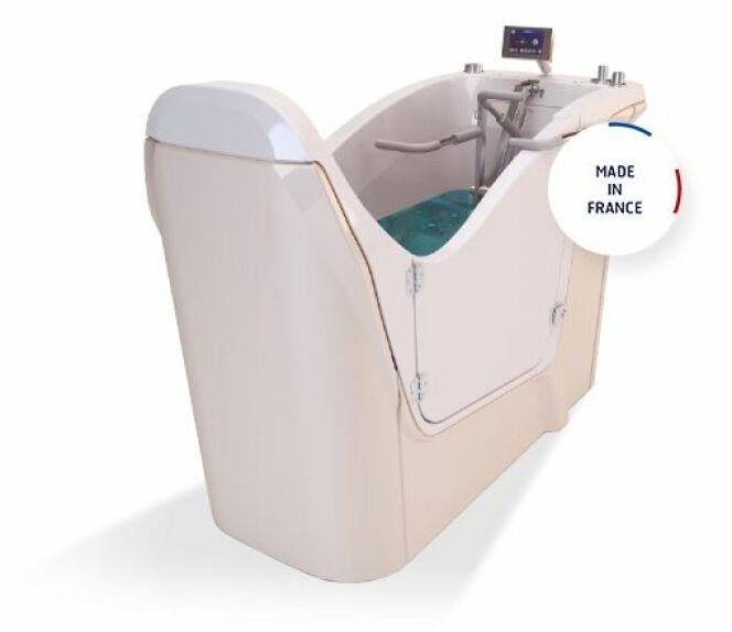 "Waterstep, la baignoire d'hydromassage par Dynamika<span class=""normal italic petit"">© Dynamika</span>"